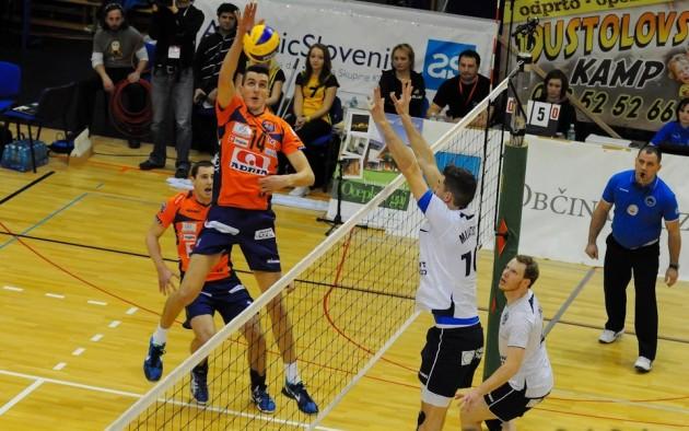 ACH-Volley-Salonit