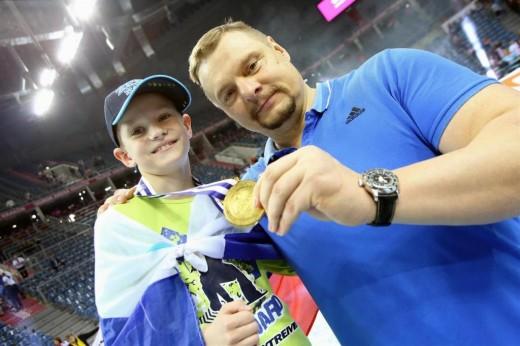 Alekno and his son