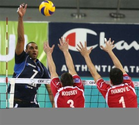 Arkas books first place in Pool A after straight sets victory in Sofia