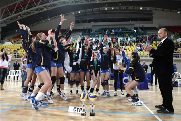 Cyprus-girls-down-Luxembourg