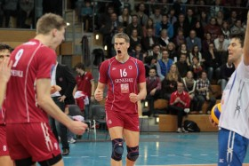 Generali UNTERHACHING hopes for two wins in one night