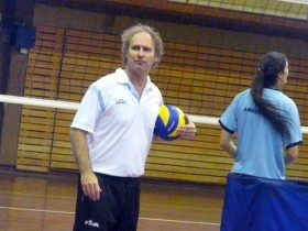 Horacio Bastit, the head coach of thr Argentine girls and women's juniors and seniors teams makes the zear balance