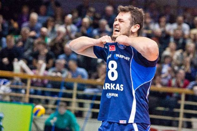 Injury-plagued Arkas takes a chance on final four spot