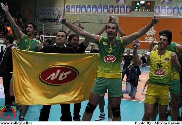 Kaleh seal Iranian title