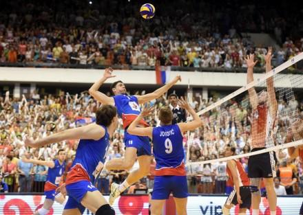 Serbia's Nikola Jovović sets for Marko Podraščanin attack