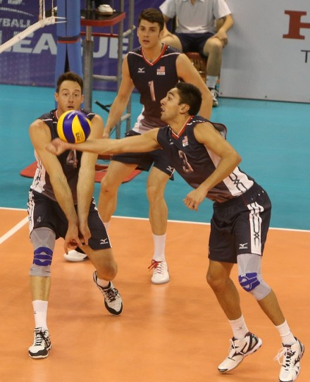 Taylor Sander and David Lee in action for USA, Anderson is looking