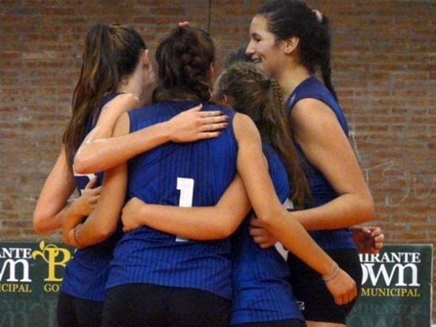 Third semi-final of the ACLAV Argentine senior's women league between the champion Boca and the Argentine juniors
