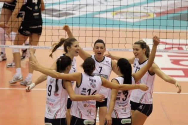 Villa-Cortese-team