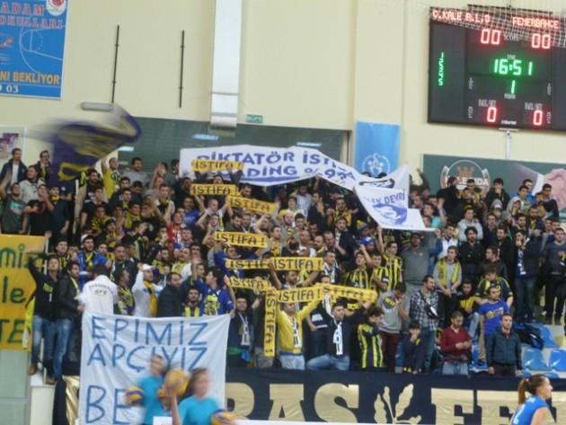 Fener's fans - (Photo: voleybolextra)