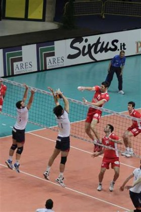 MONZA edges Remat ZALAU to make it to semis of CEV Cup