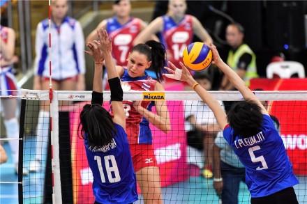 Nataliya Goncharova in attack